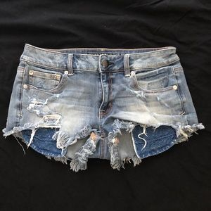Light denim booty shorts